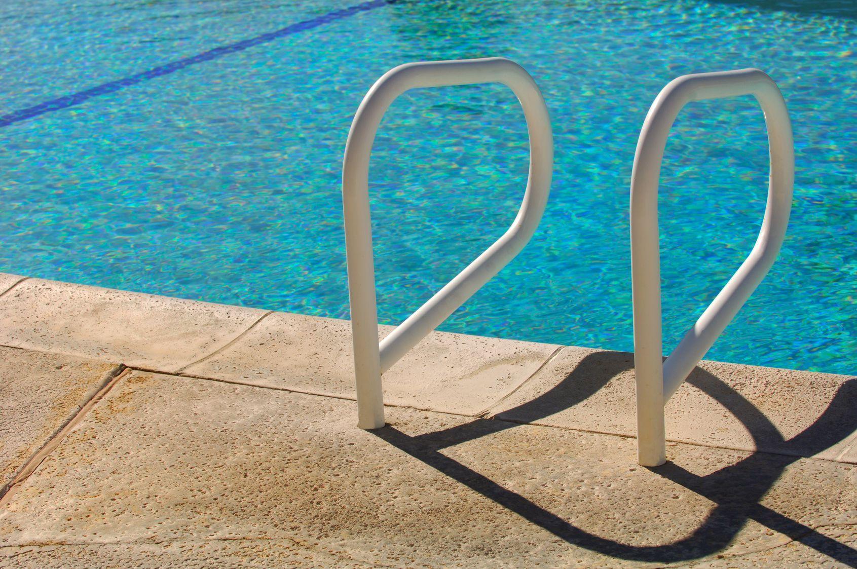 Causas de fugas y goteras en piscinas goteras barcelona for Piscinas en alcampo 2016